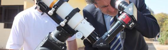 Senador Cantero visitó Unidad de Astronomía de la UA